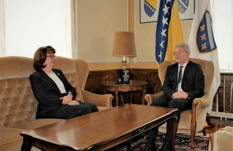 Džaferović and Cormack discuss the continuation of NATO path for BiH