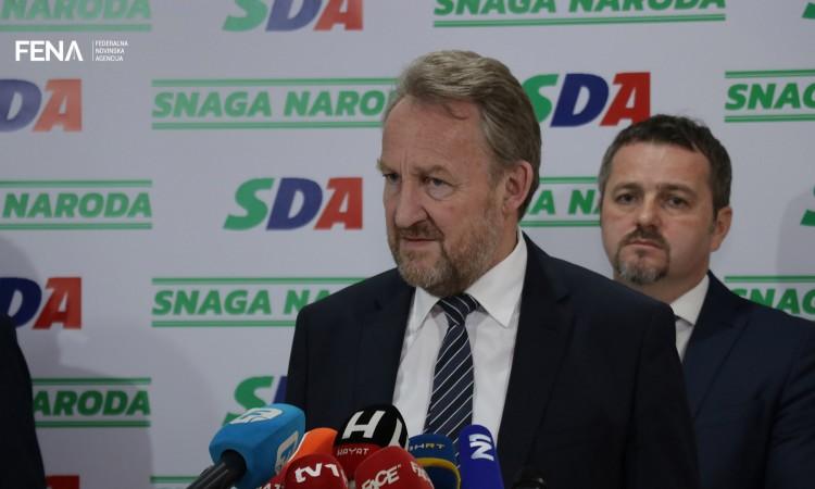 Izetbegović offers Dodik a compromise plan for BiH's NATO path