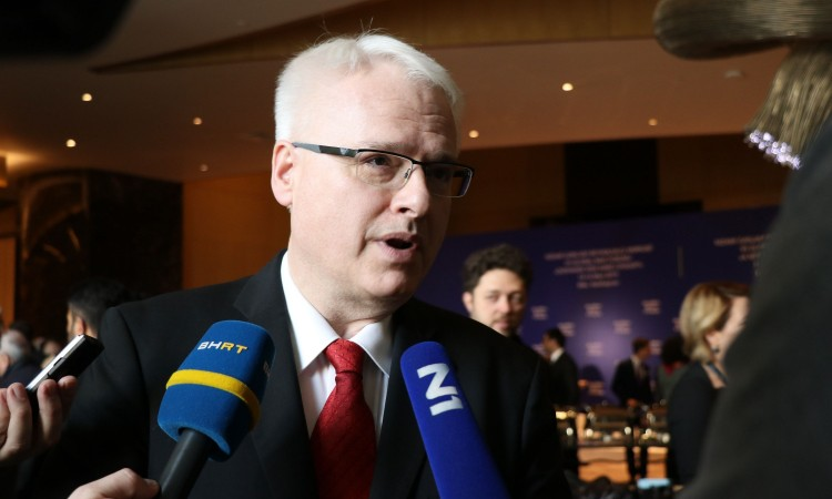 Josipović: Allegations on recruitment of Salafis need to be thoroughly checked