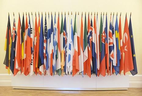 OECD sees global growth slowing, as Europe weakens and risks persist