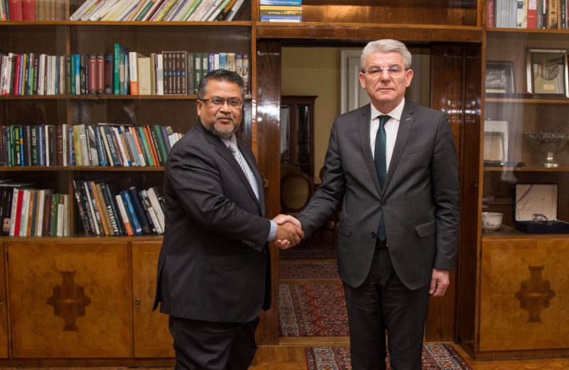 Džaferović receives in an inaugural visit Ambassador of Malaysia Zakri Bin Jaafar